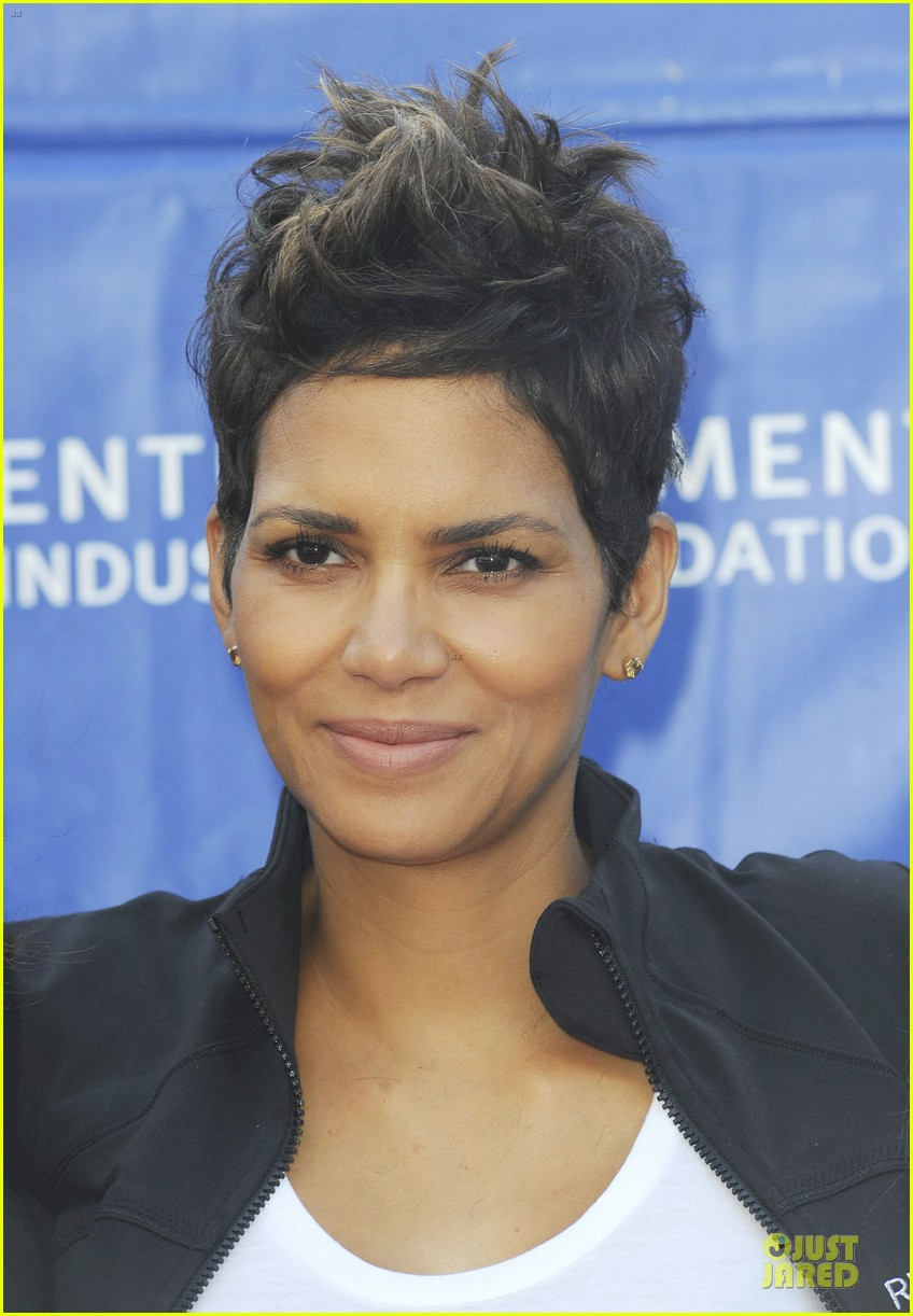 halle berry revlon run for women in la 072868377