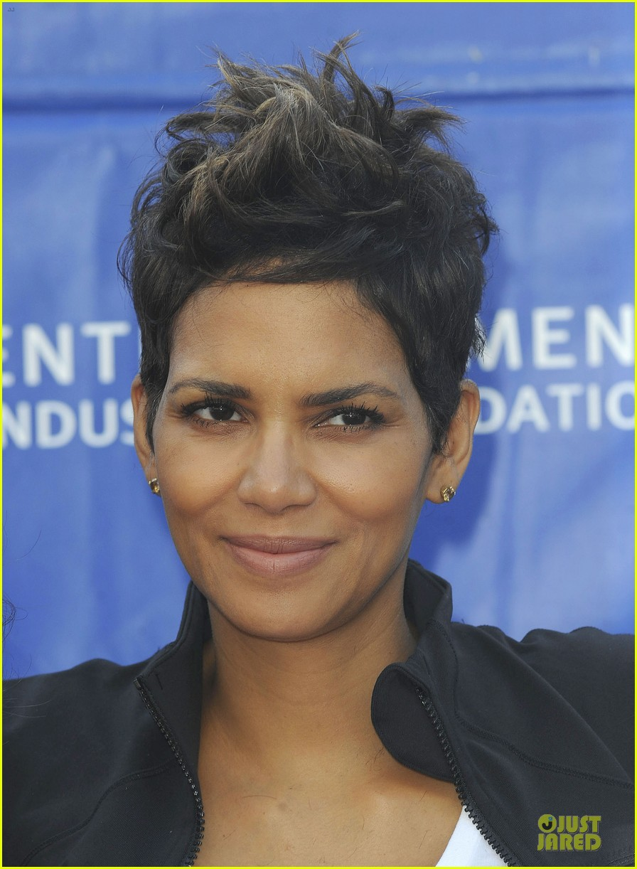halle berry revlon run for women in la 082868378
