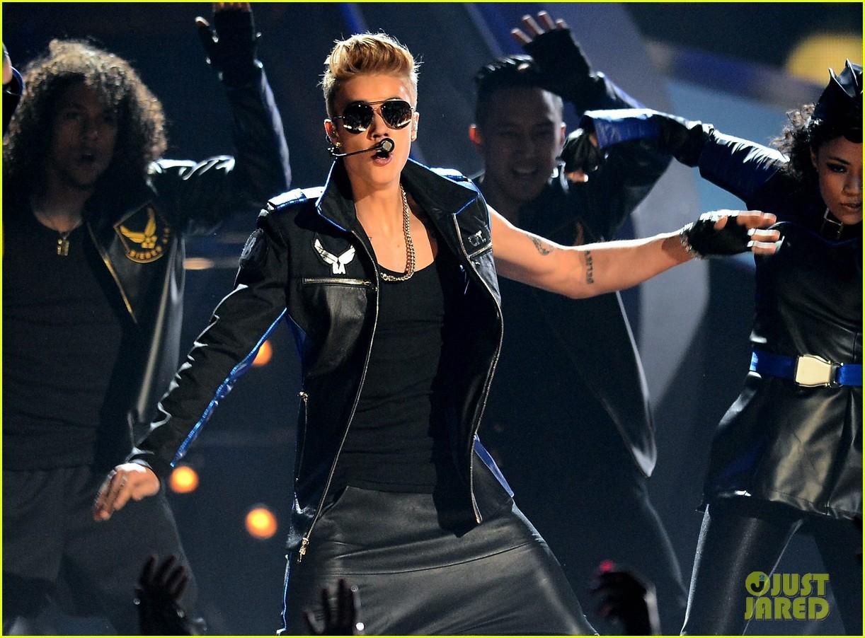 justin bieber billboard music awards 2013 performance video 022874181
