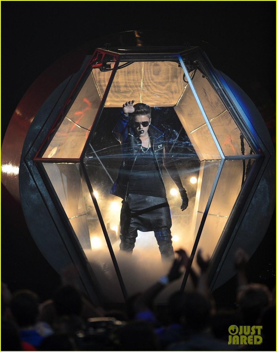 justin bieber billboard music awards 2013 performance video 032874182