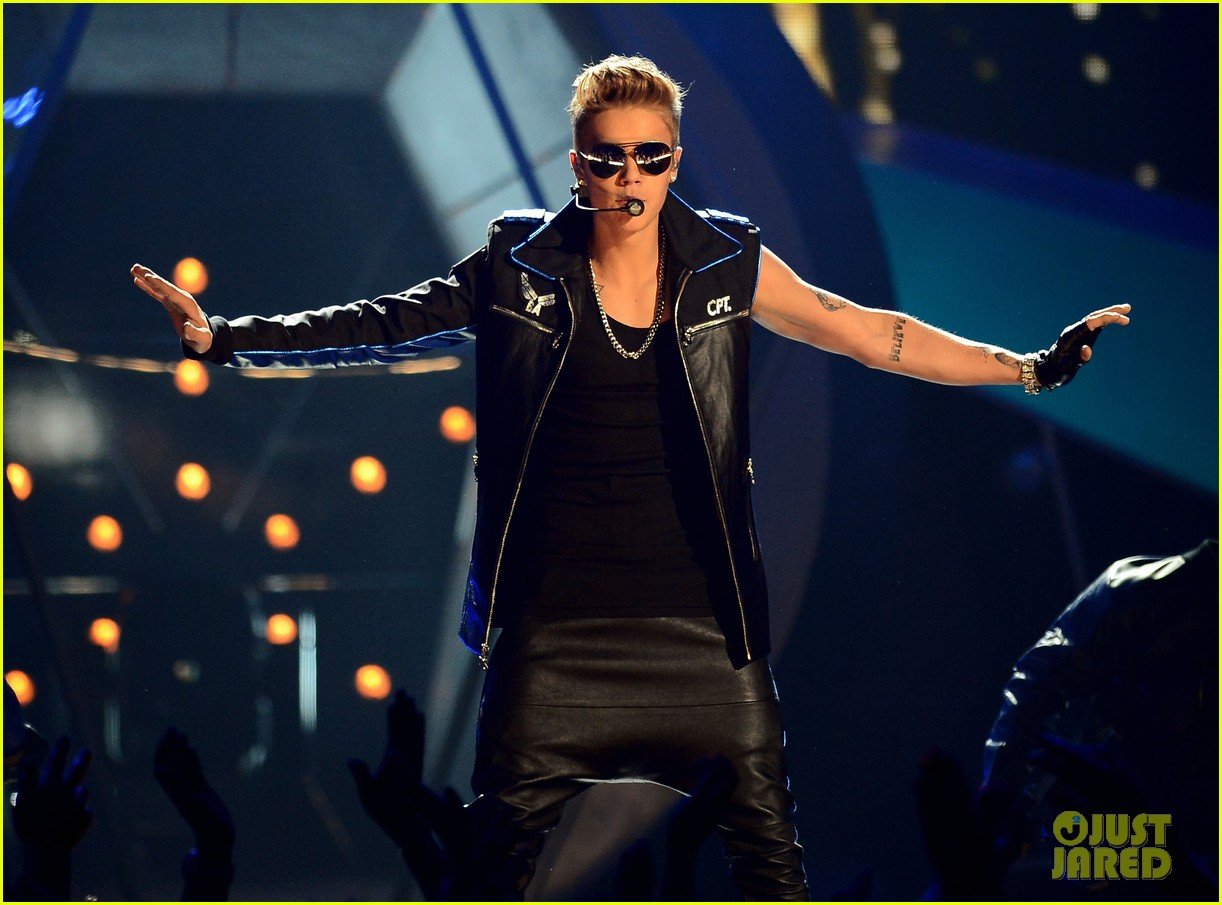 justin bieber billboard music awards 2013 performance video 072874186