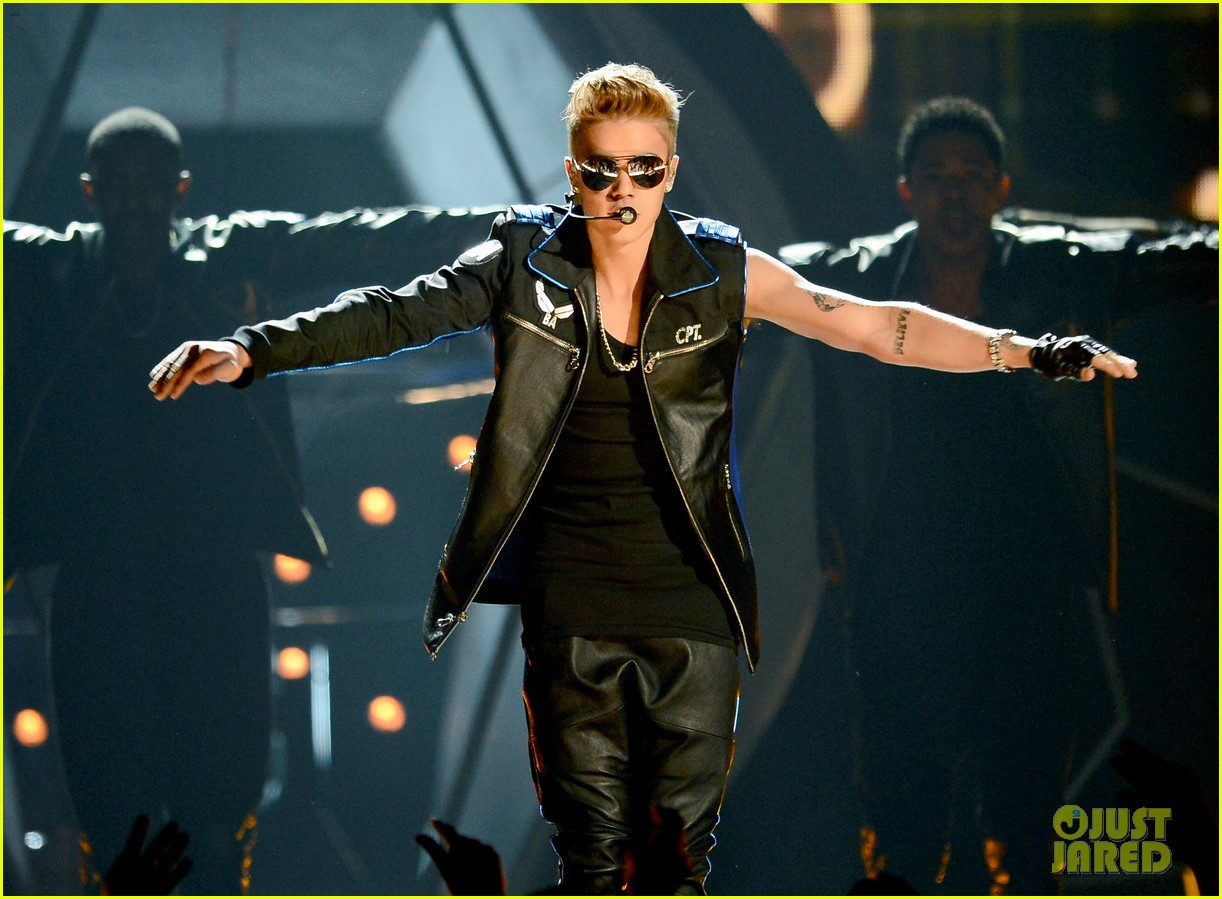 justin bieber billboard music awards 2013 performance video 112874190