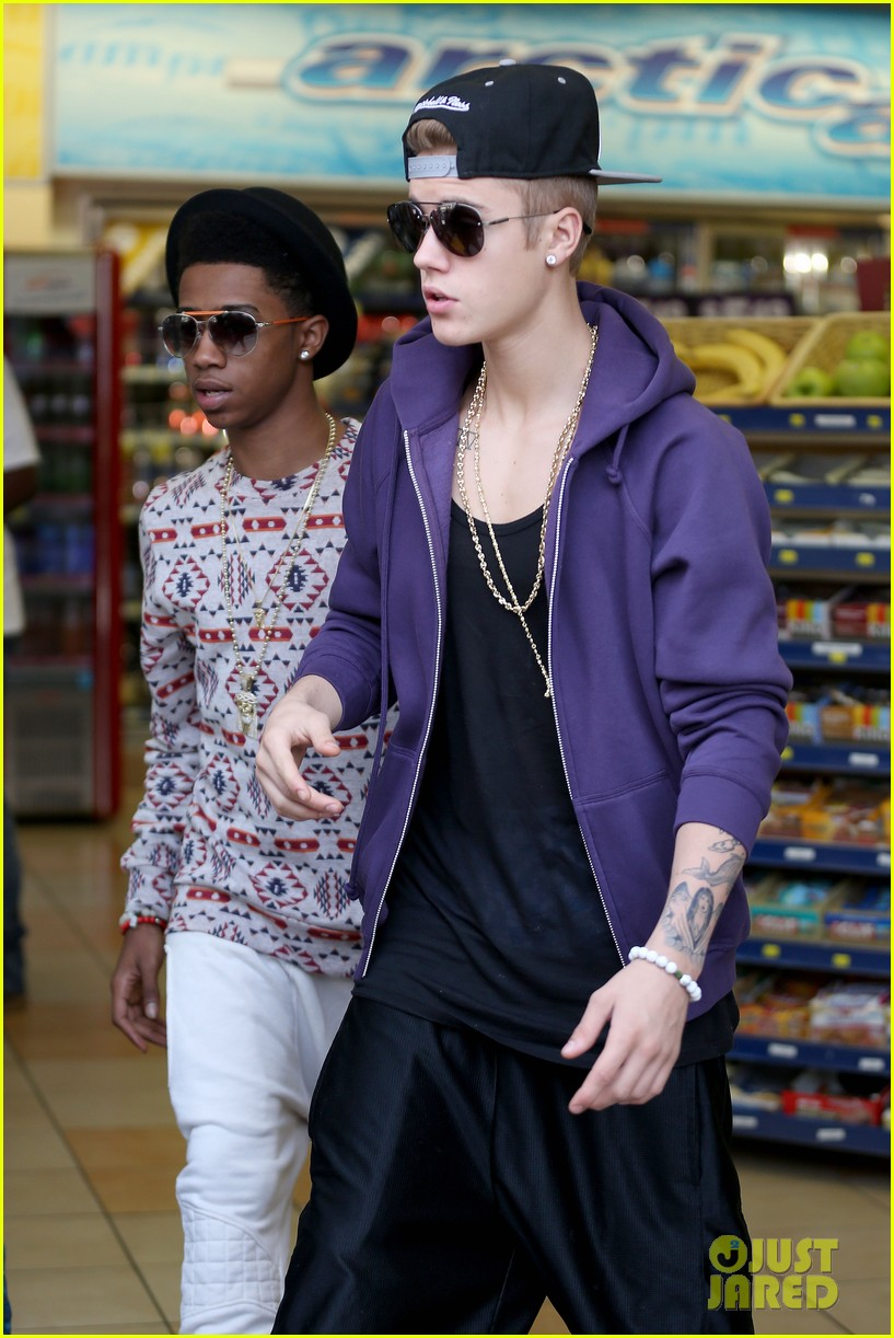 justin bieber owes money for mally the monkey left in germany 082872375