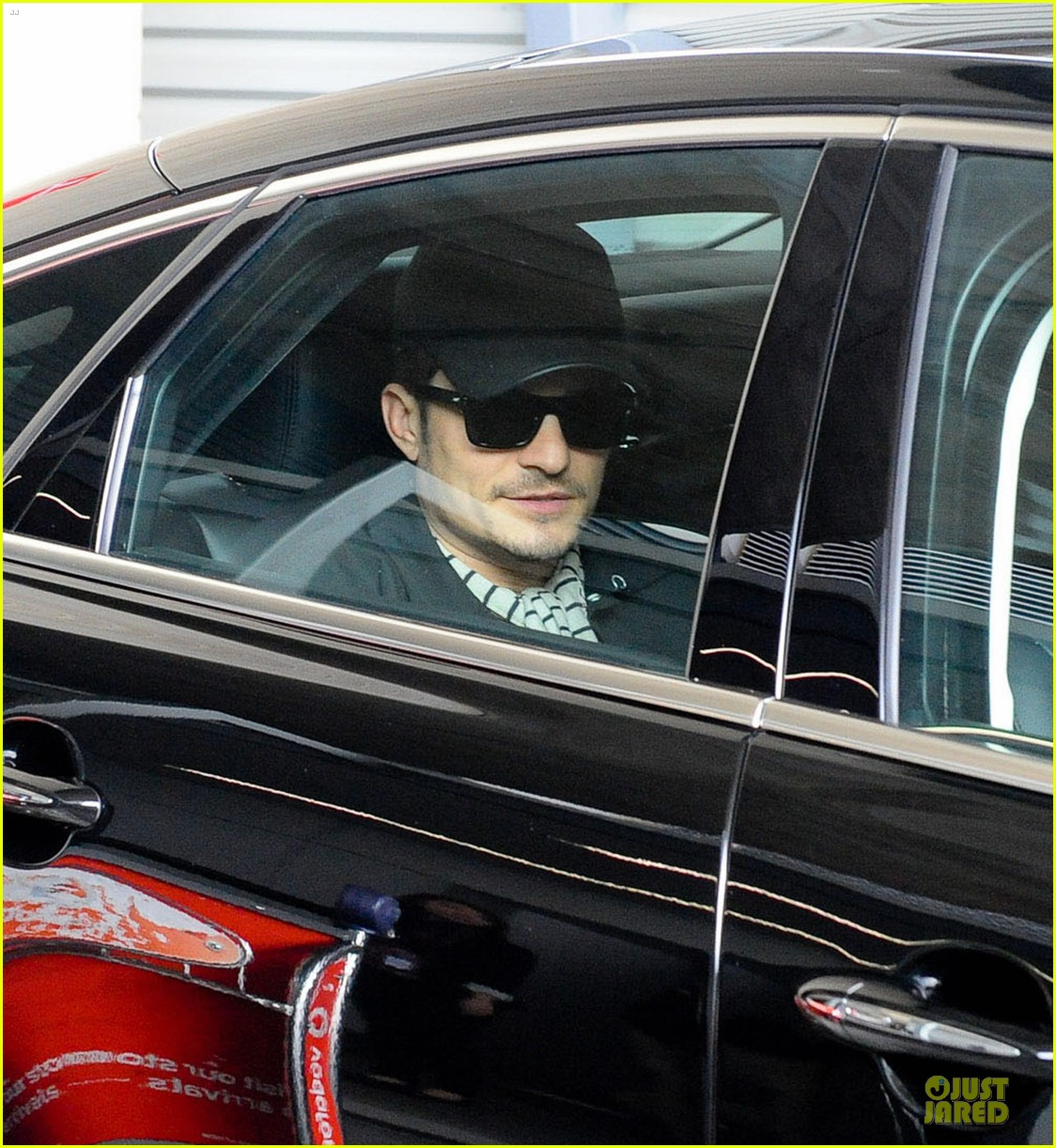 orlando bloom australia arrival after cannes 042879754
