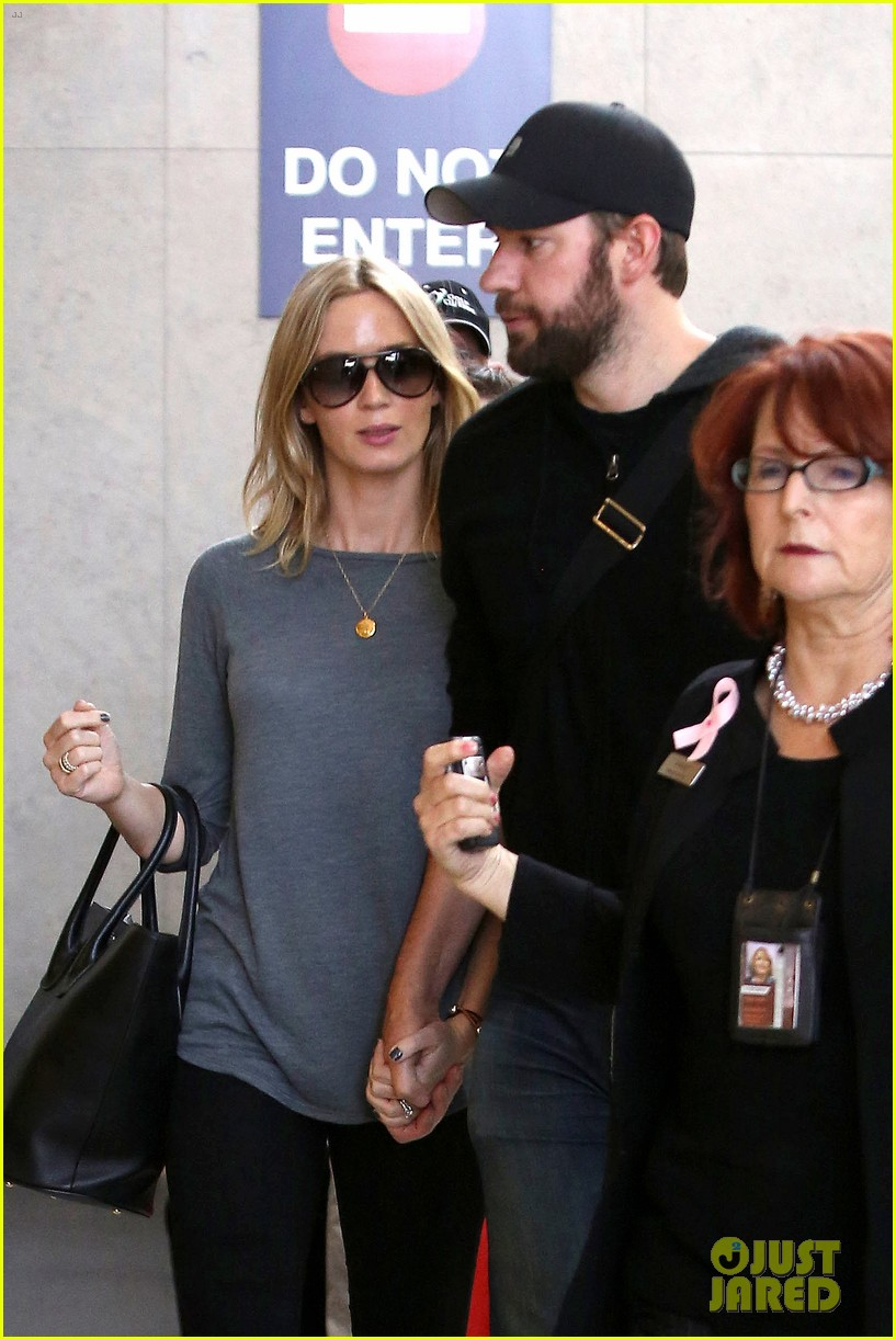 emily blunt john krasinski return to los angeles 122868193