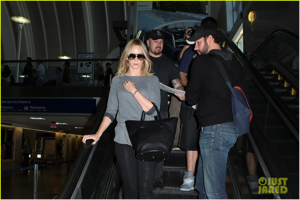 emily blunt john krasinski return to los angeles 132868194