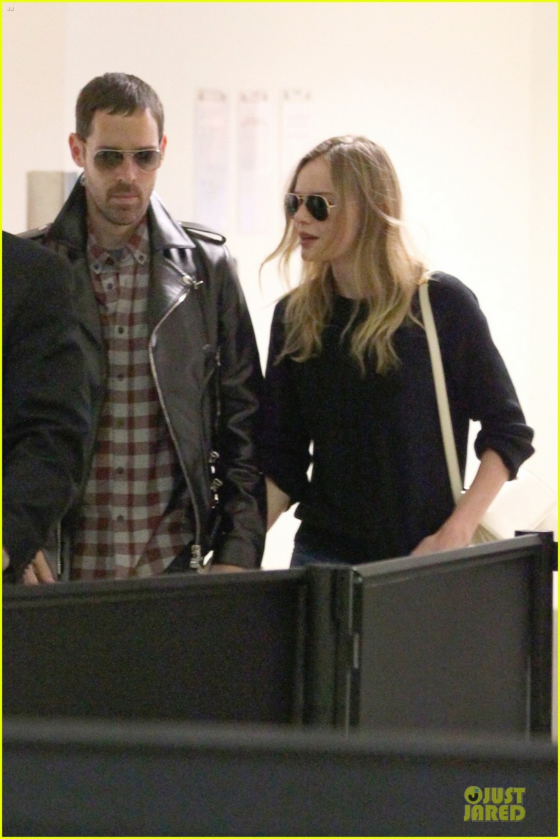 kate bosworth michael polish lax landing after met ball 042866348