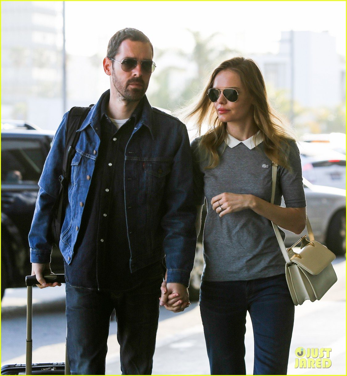 kate bosworth michael polish hold hands before flight 022862449