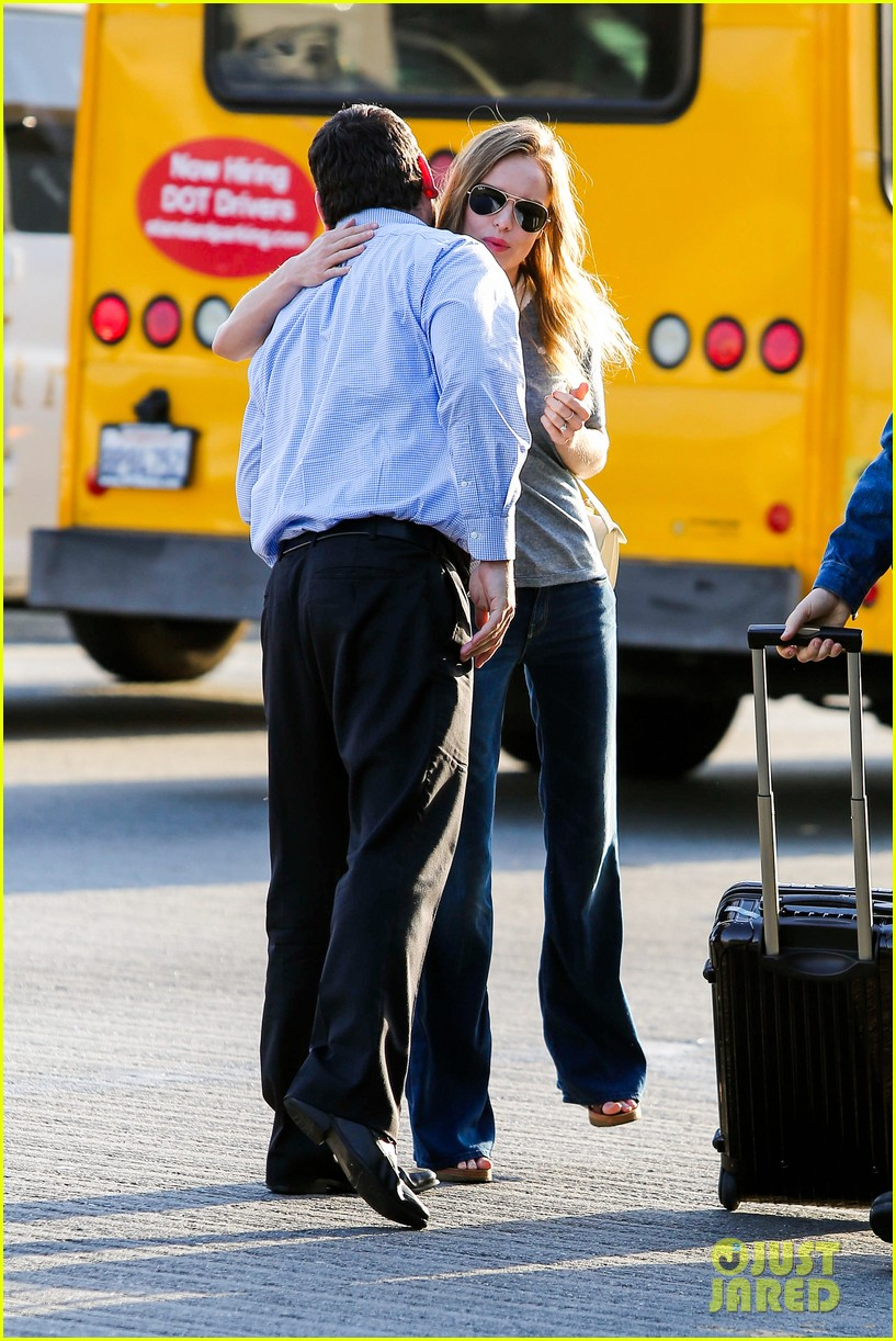 kate bosworth michael polish hold hands before flight 042862451
