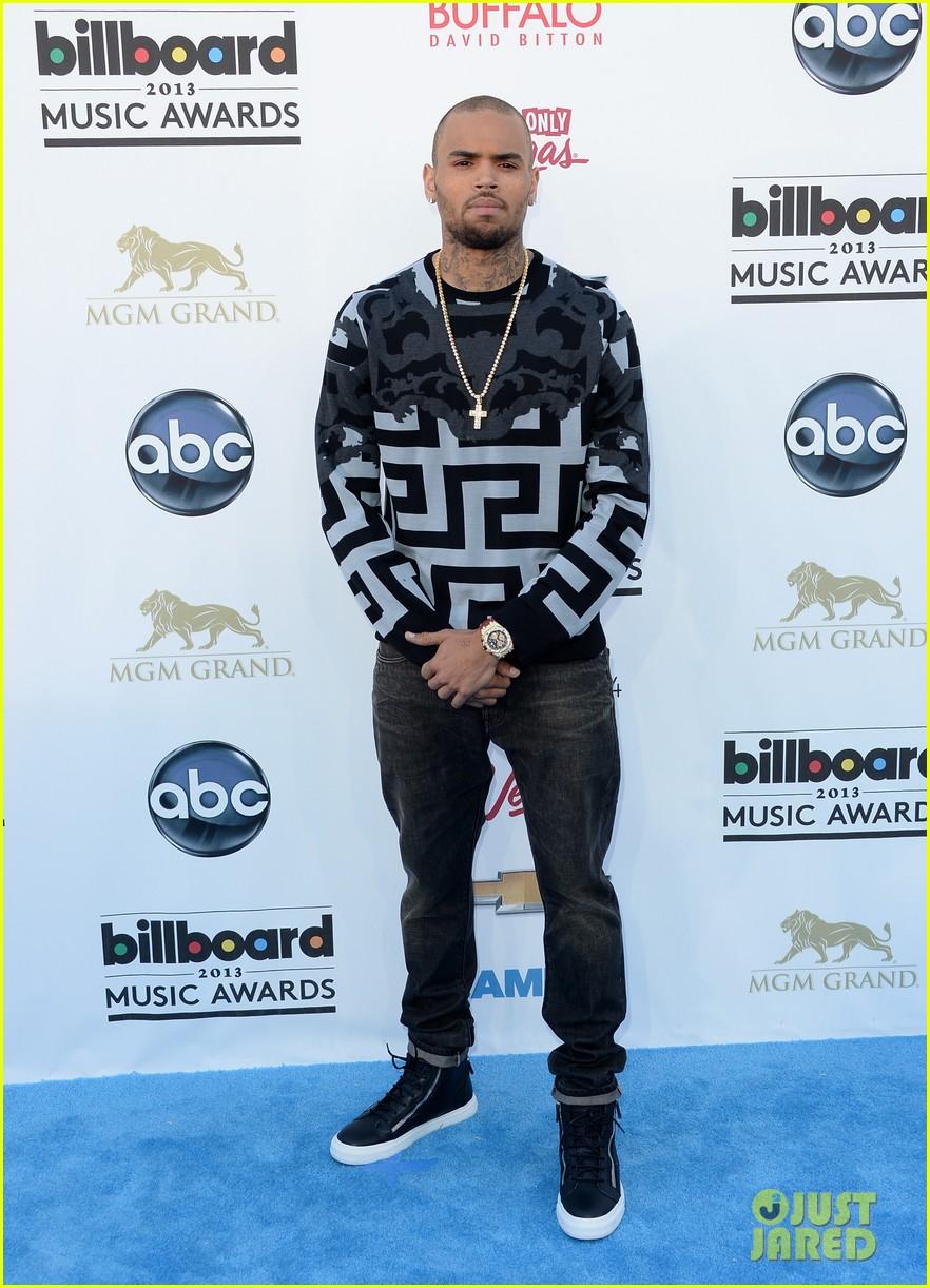chris brown billboard music awards 2013 red carpet 052874033