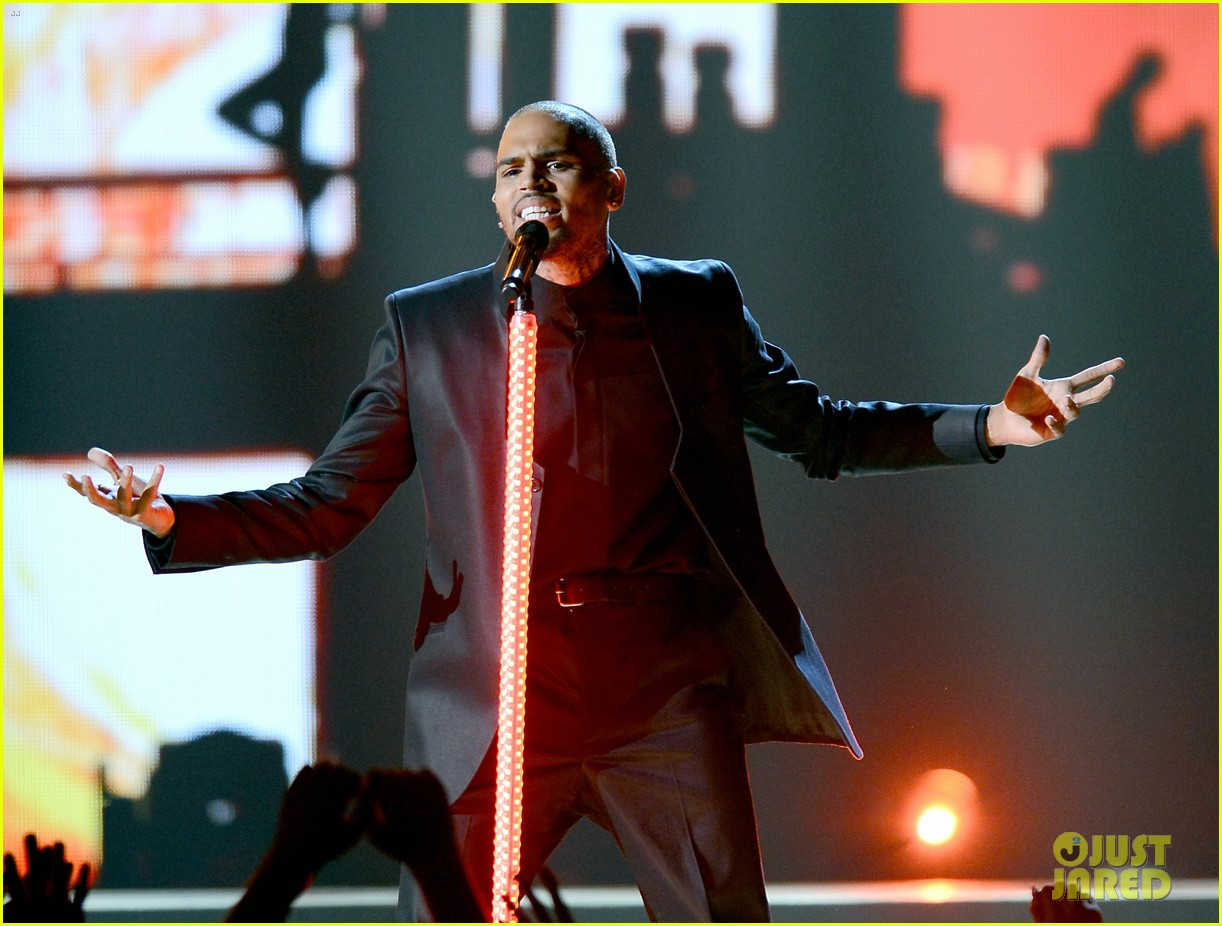chris brown billboard music awards 2013 performance video 042874073