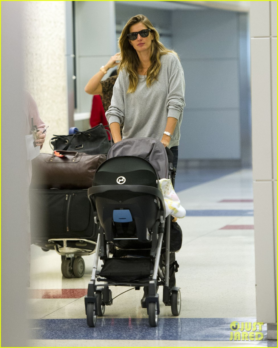 gisele bundchen vivian fly to nyc after hm campaign news 04