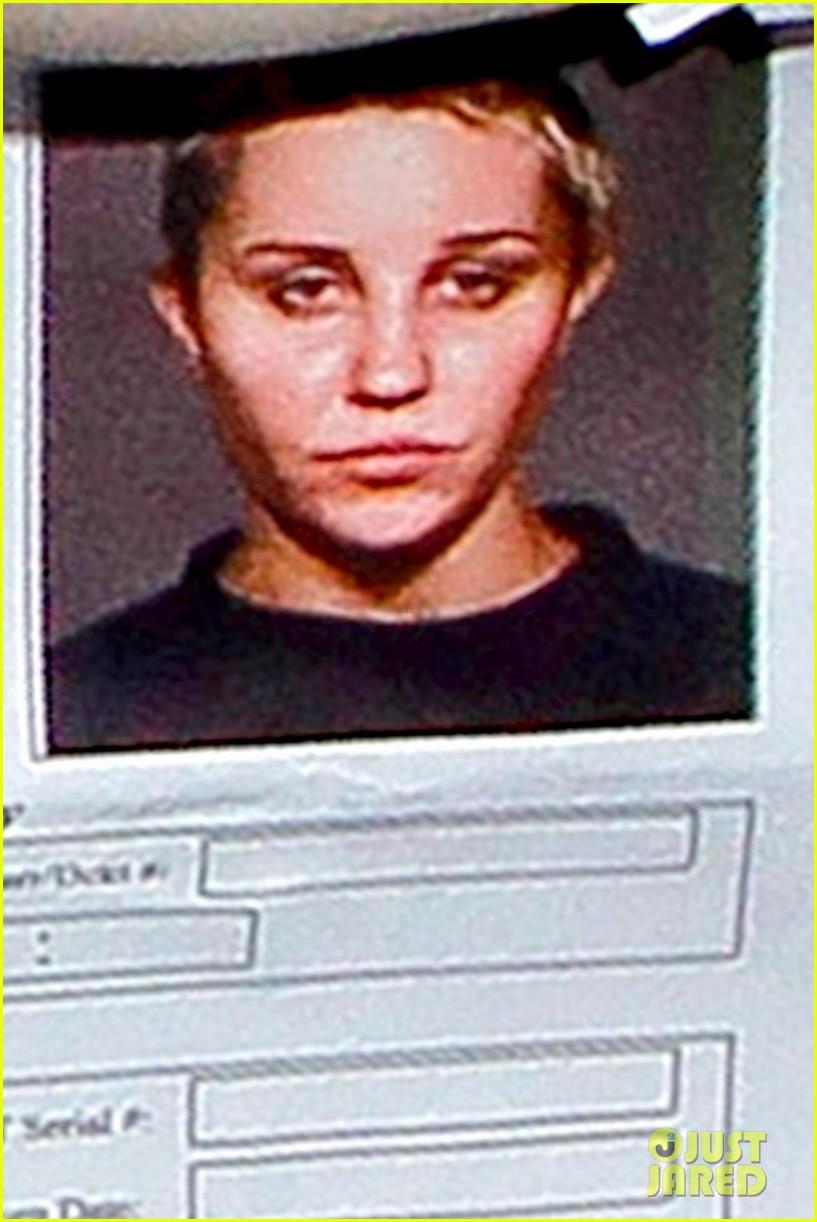 amanda bynes mugshot revealed for drug arrest 012877406