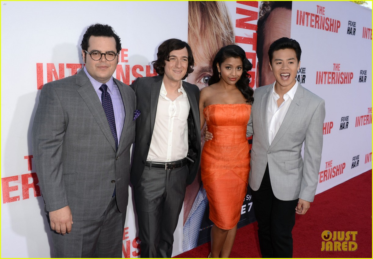 rose byrne jessica szohr the internship premiere 142880414