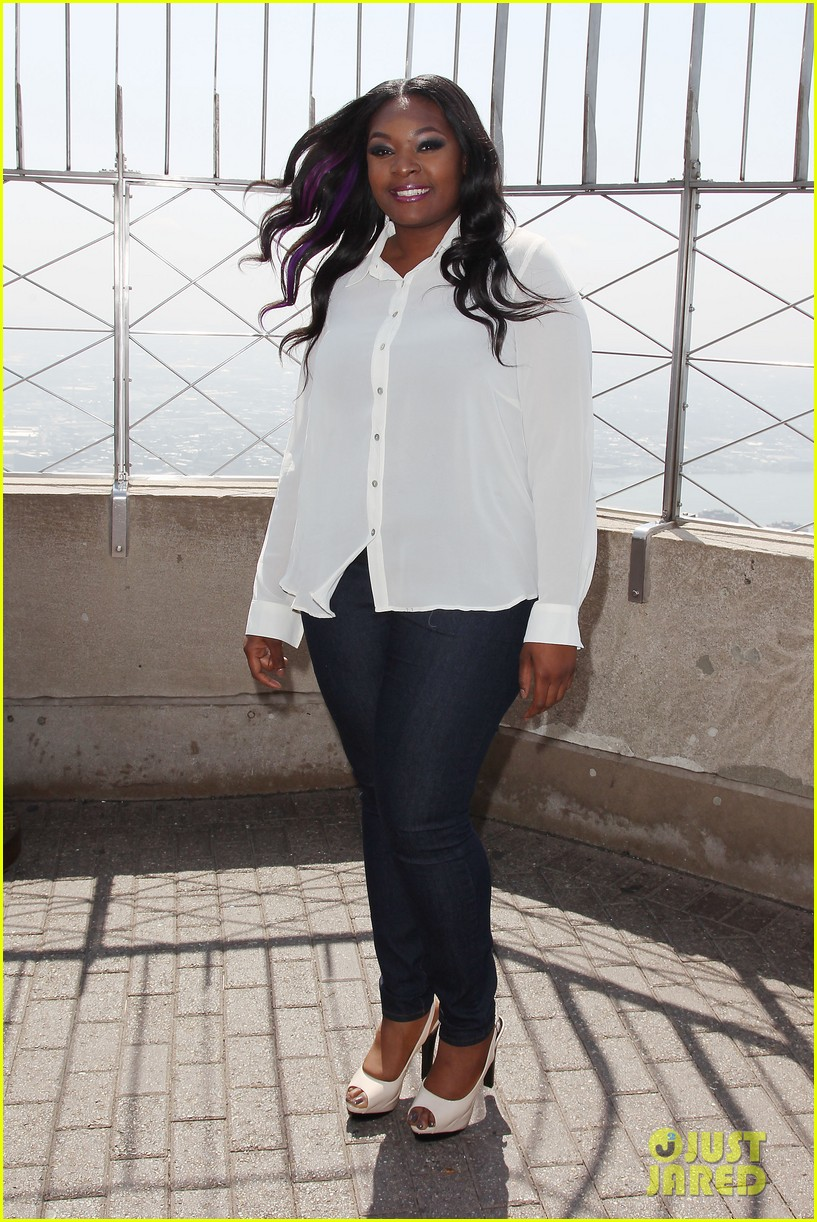american idol winner candice glover visits empire state building exclusive quotes 172875605
