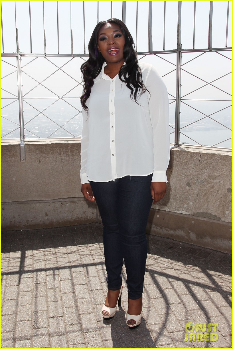 american idol winner candice glover visits empire state building exclusive quotes 232875611