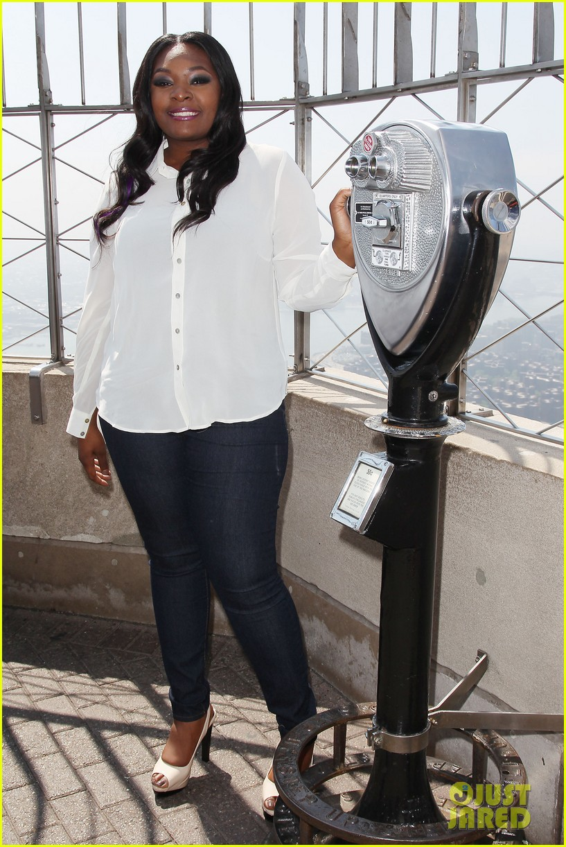 american idol winner candice glover visits empire state building exclusive quotes 262875614