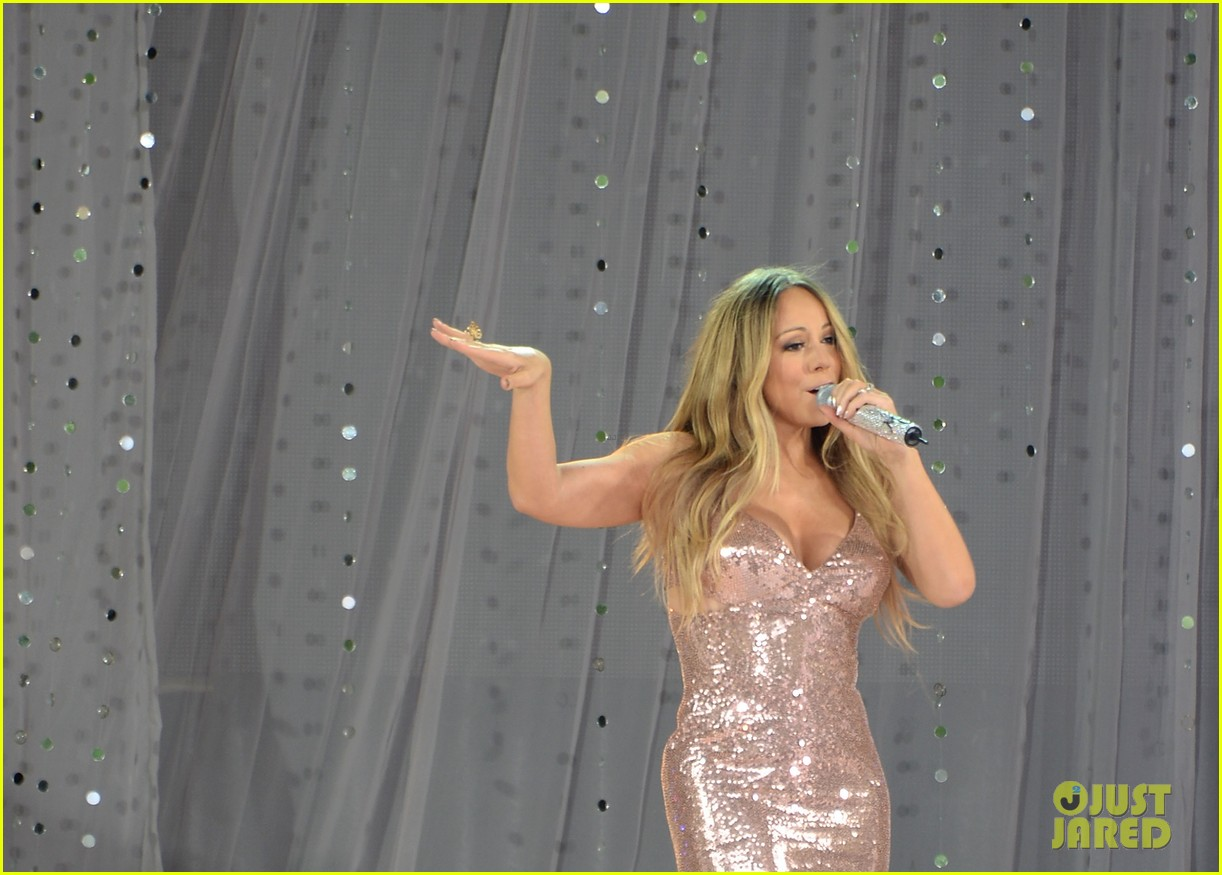 mariah carey wardrobe malfunction on gma 122877426