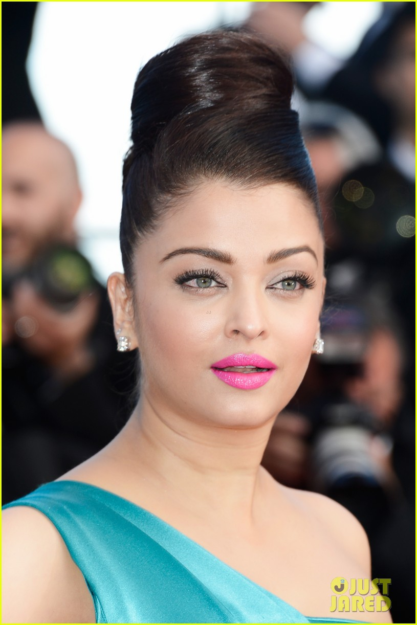 jessica chastain aishwarya rai cleopatra cannes premiere 022875507