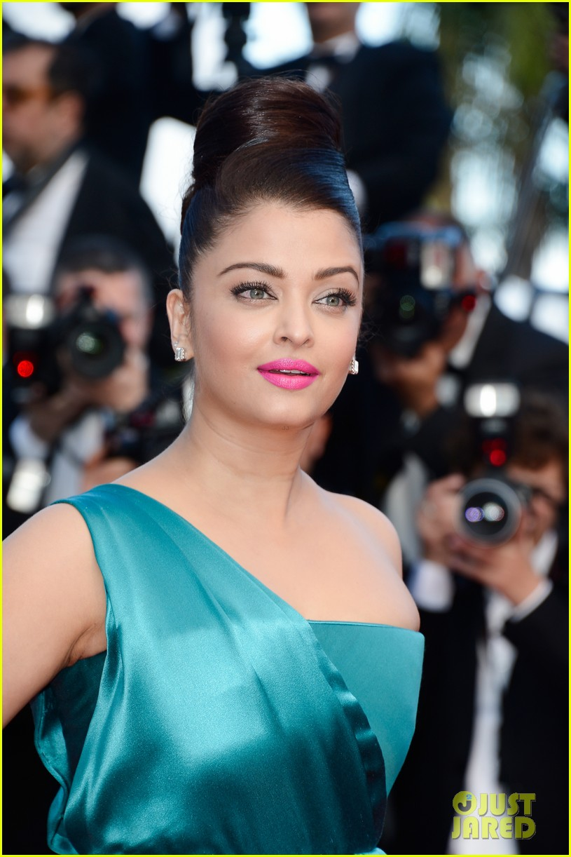jessica chastain aishwarya rai cleopatra cannes premiere 152875520