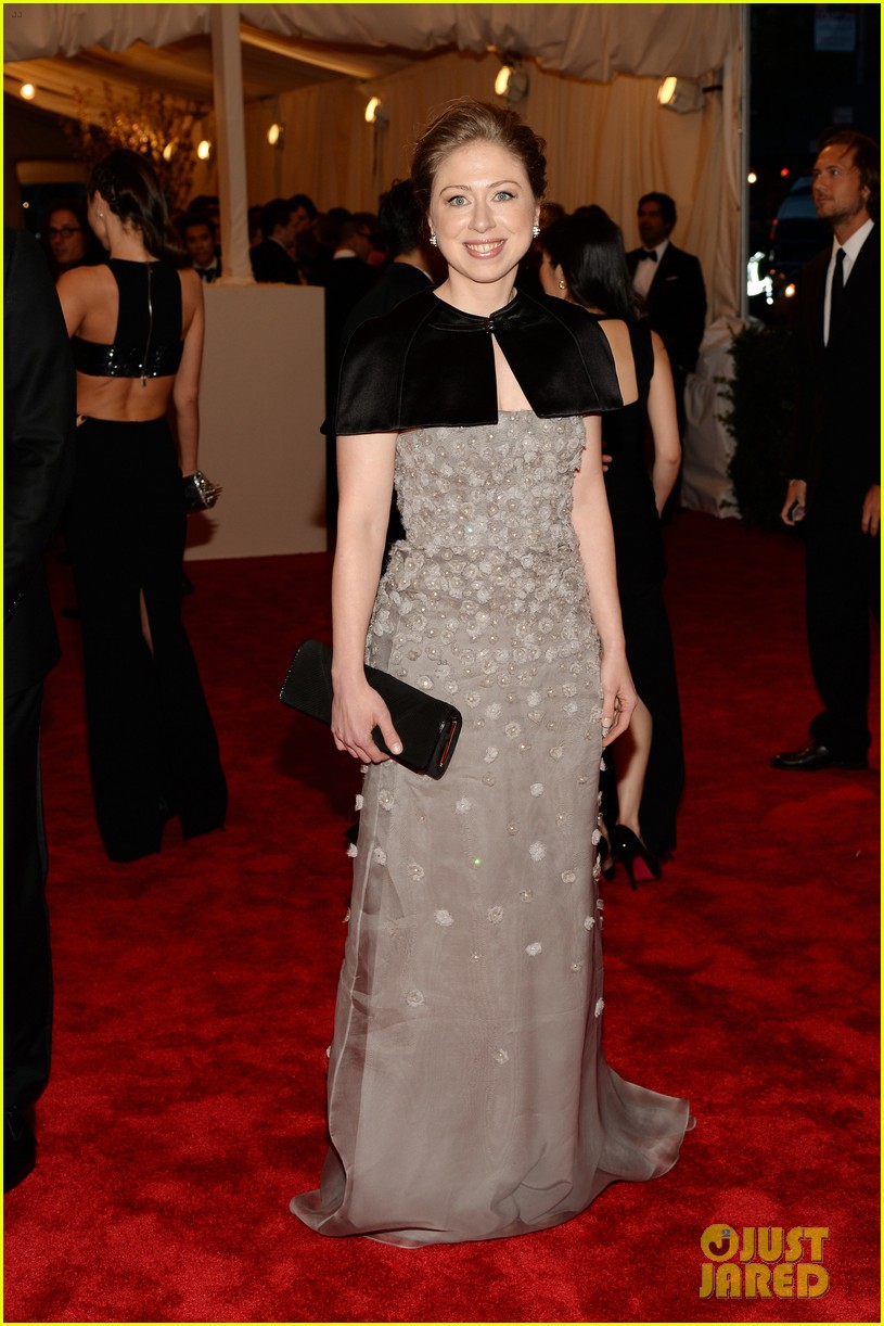 chelsea clinton marc mezvinsky met ball 2013 red carpet 012865776