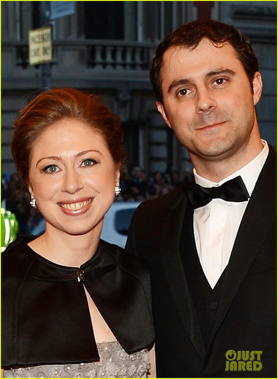 chelsea clinton marc mezvinsky met ball 2013 red carpet 022865777