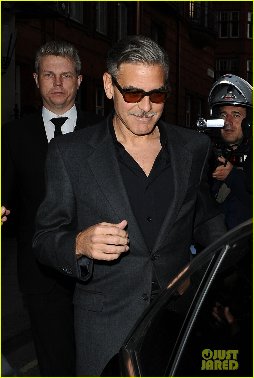 george clooney dines in london stacy keibler hits grand prix 112878296