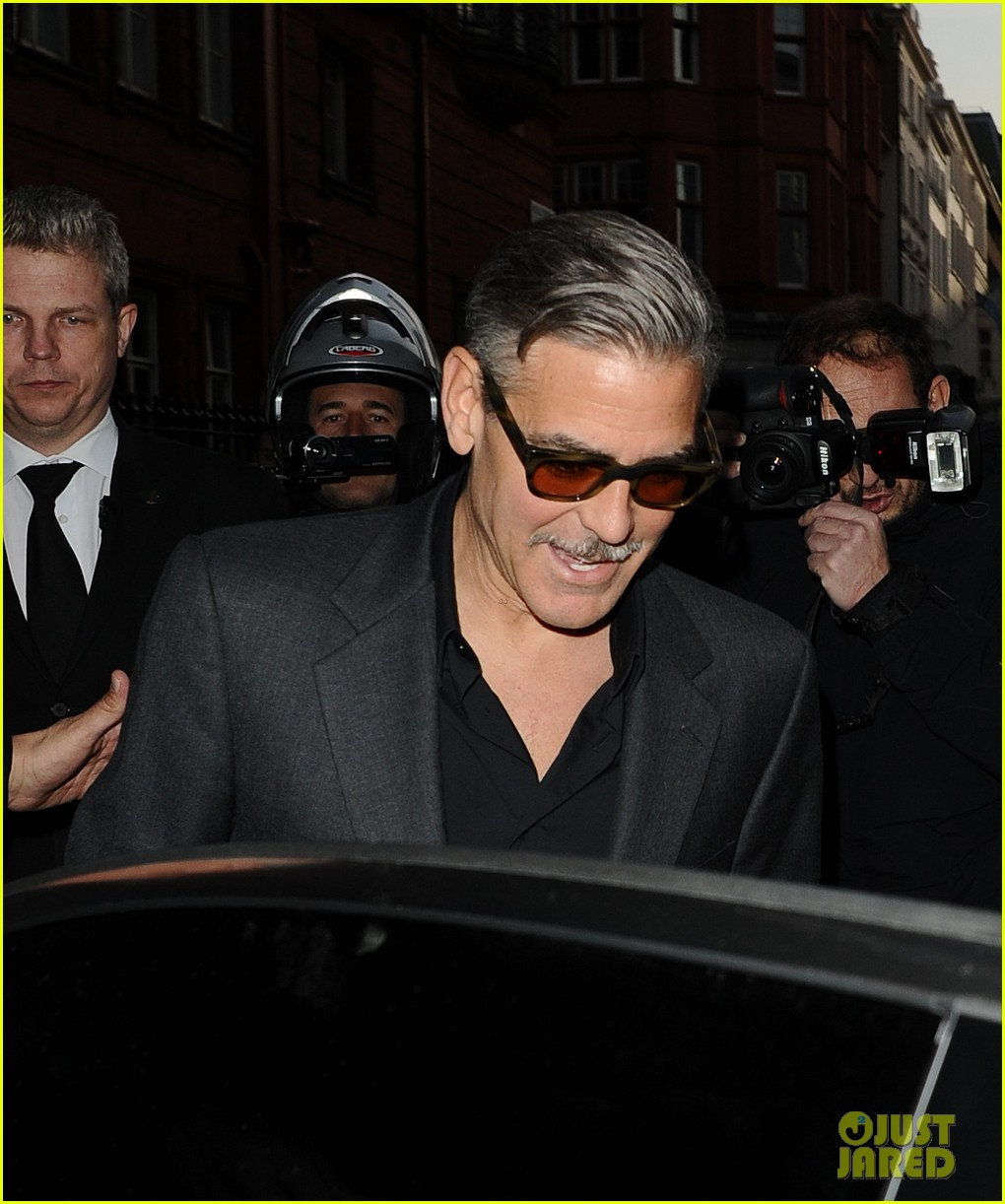 george clooney dines in london stacy keibler hits grand prix 132878298