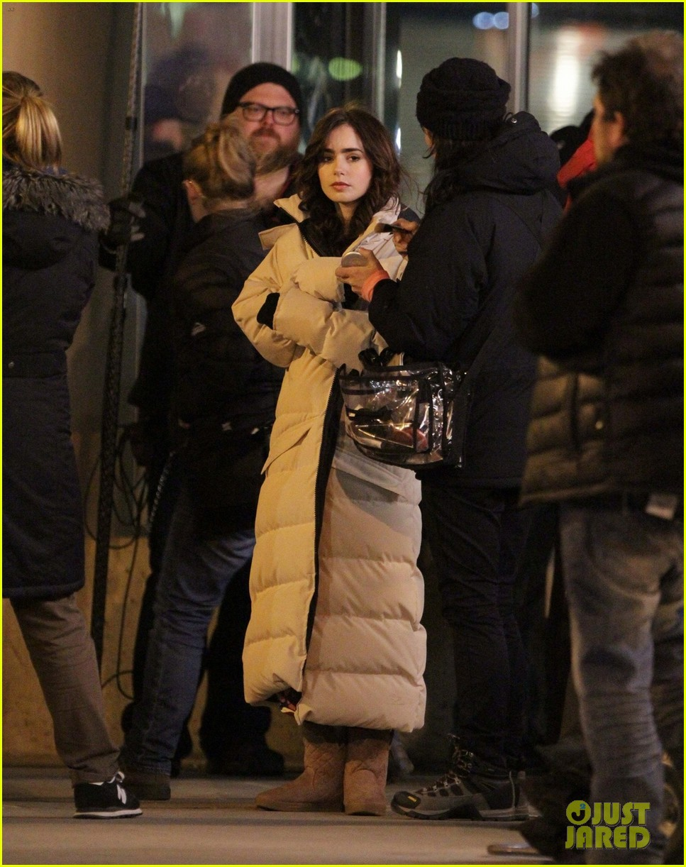 lily collins sam claflin love rosie does great in presales 012871435
