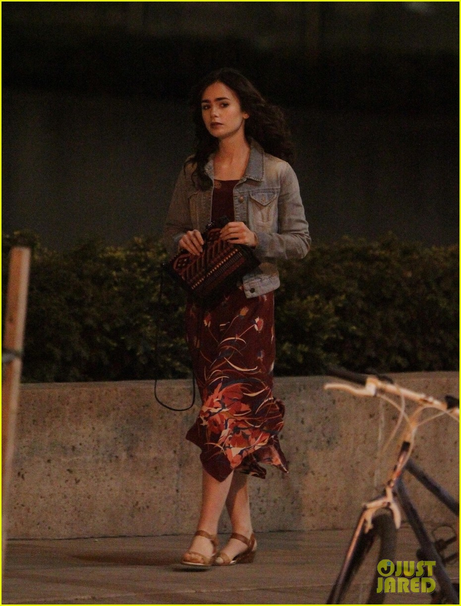 lily collins sam claflin love rosie does great in presales 032871437