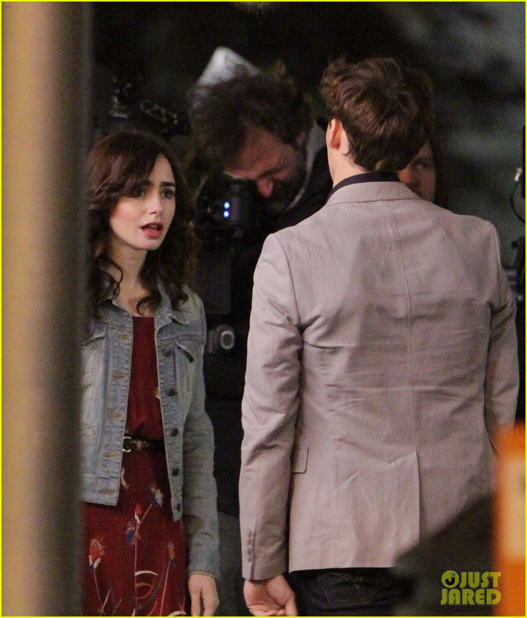 lily collins sam claflin love rosie does great in presales 042871438