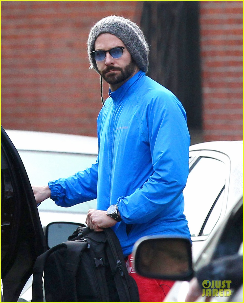 bradley cooper films american hustle after nyc weekend 022866685