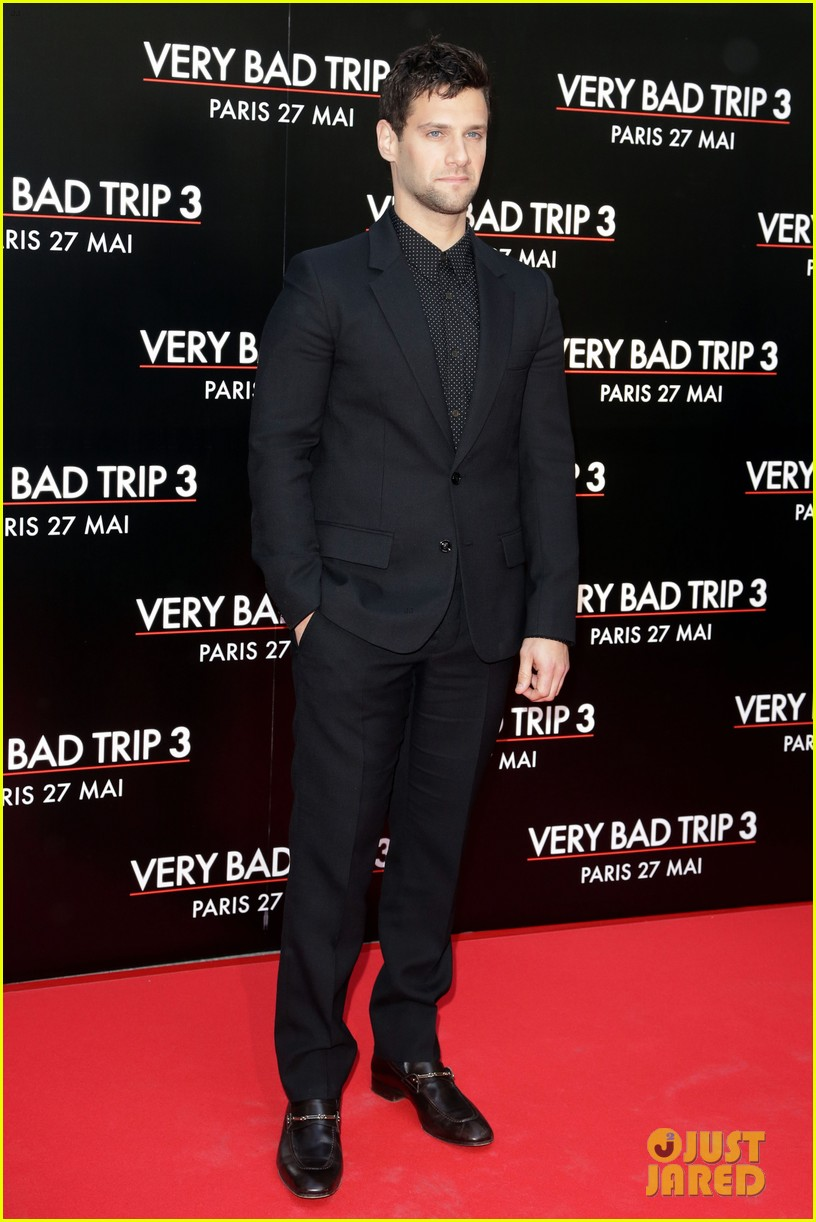bradley cooper hangover part iii paris premiere with cast 142879190