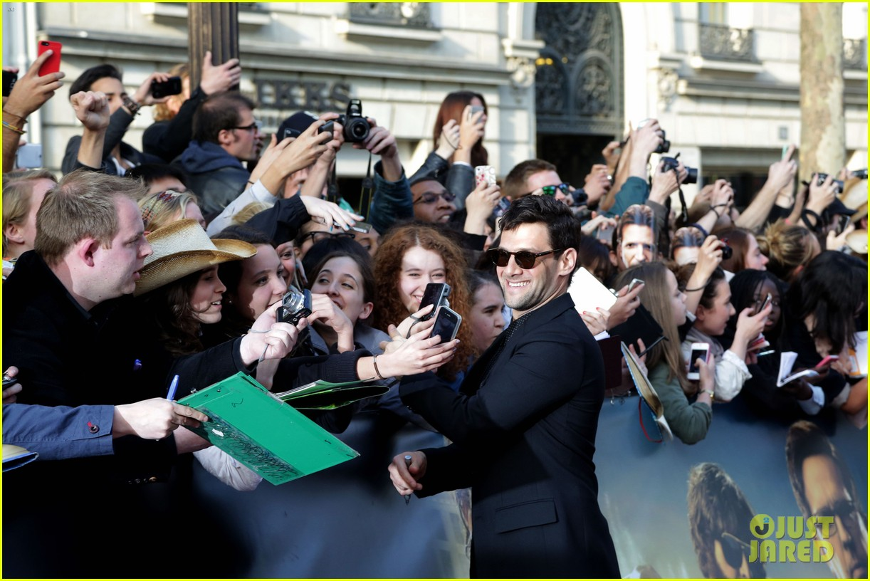 bradley cooper hangover part iii paris premiere with cast 21