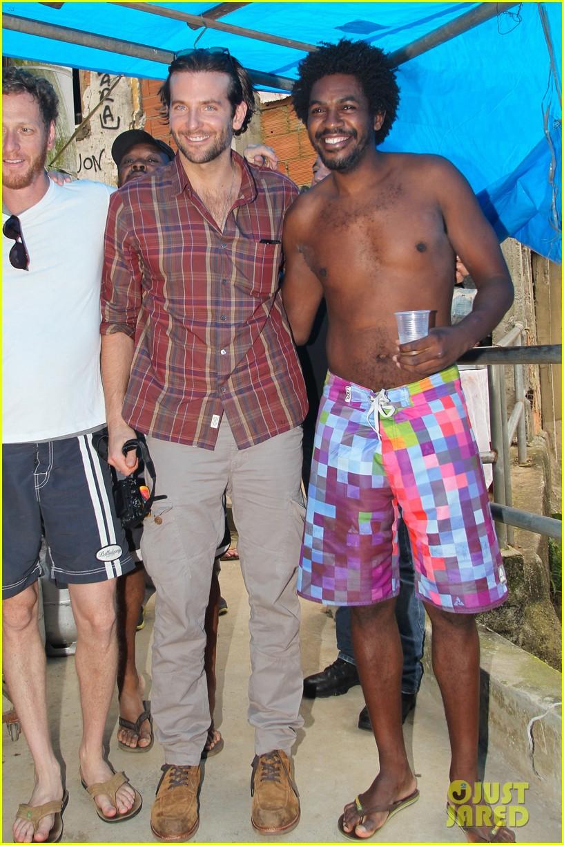 bradley cooper visits santa marta favela with ed helms 252880857