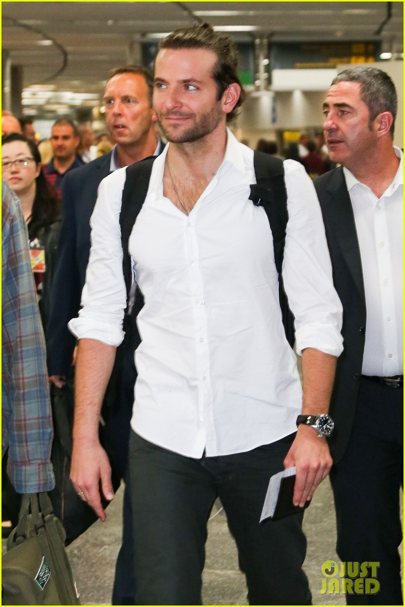 bradley cooper shirtless after brazil arrival with hangover guys 192879439