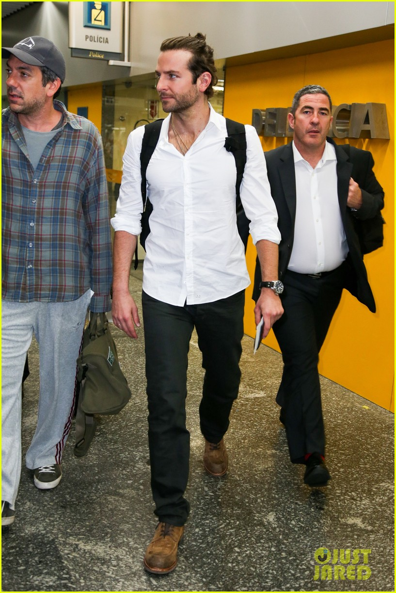 bradley cooper shirtless after brazil arrival with hangover guys 282879448