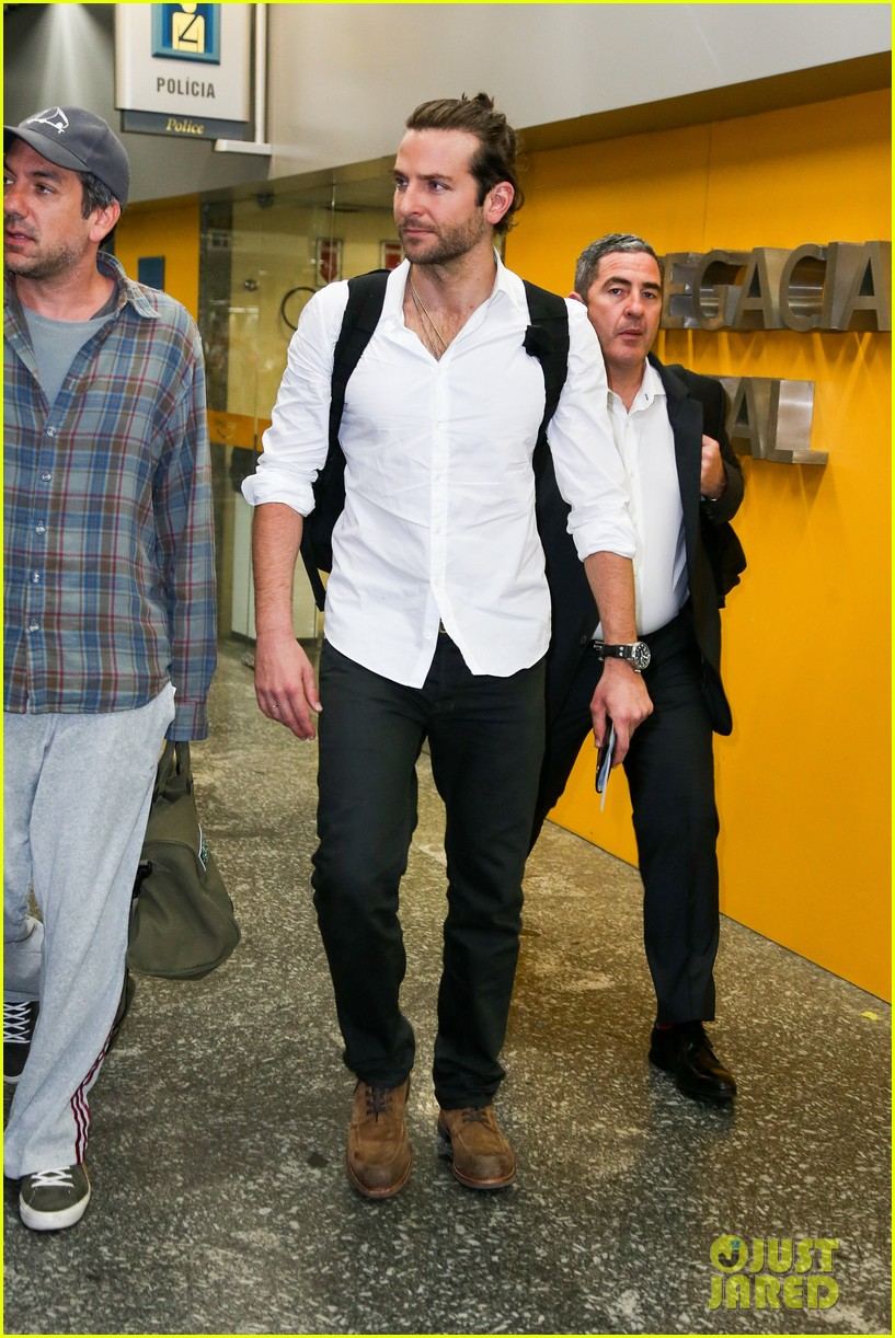 bradley cooper shirtless after brazil arrival with hangover guys 302879450
