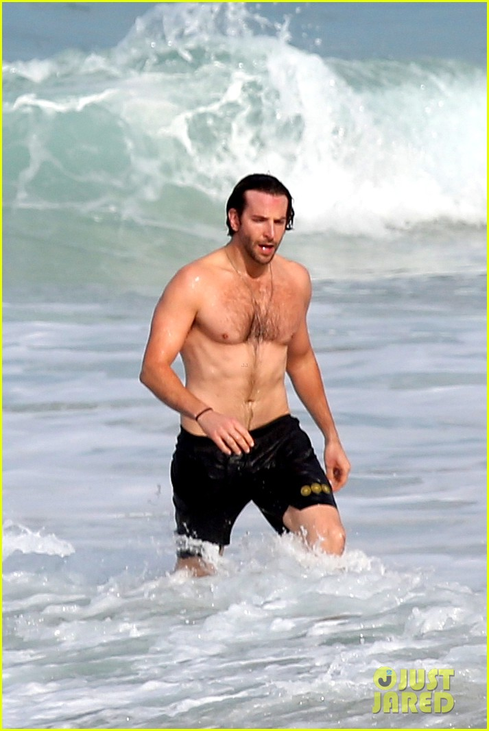 bradley cooper premieres hangover in rio swims shirtless 042880053