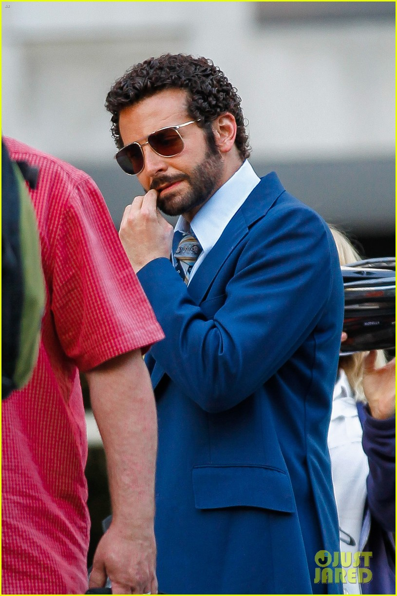 bradley cooper works out before filming american hustle 17