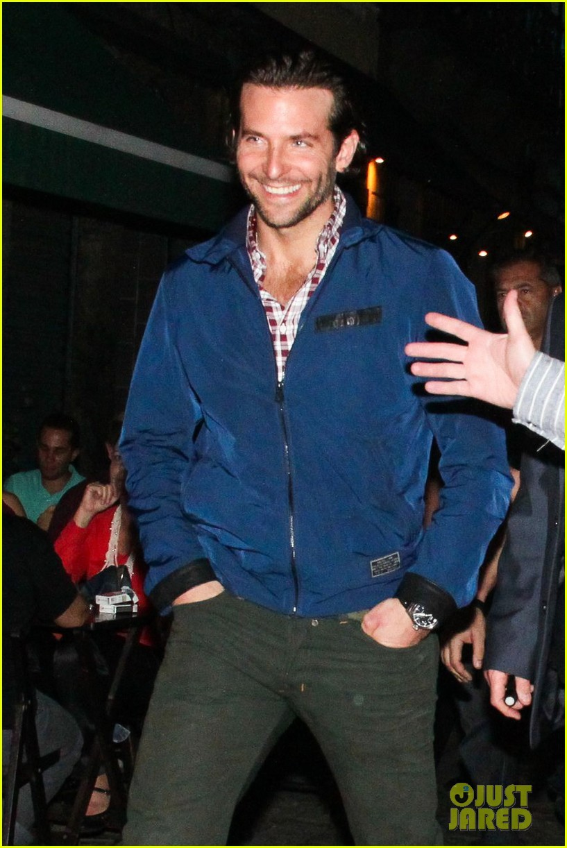 bradley cooper hangover night out with the cast 042880703