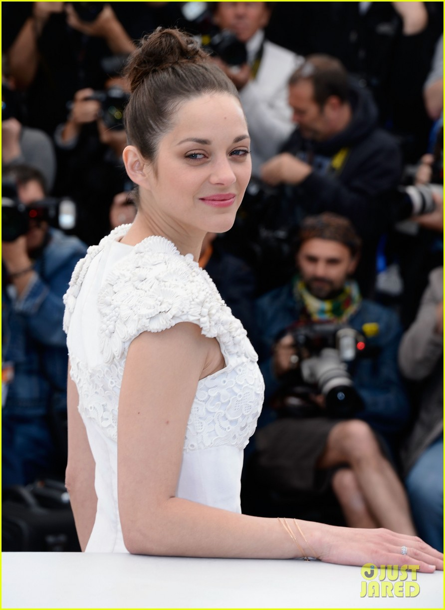 marion cotillard jeremy renner cannes the immigrant photo call 022877181