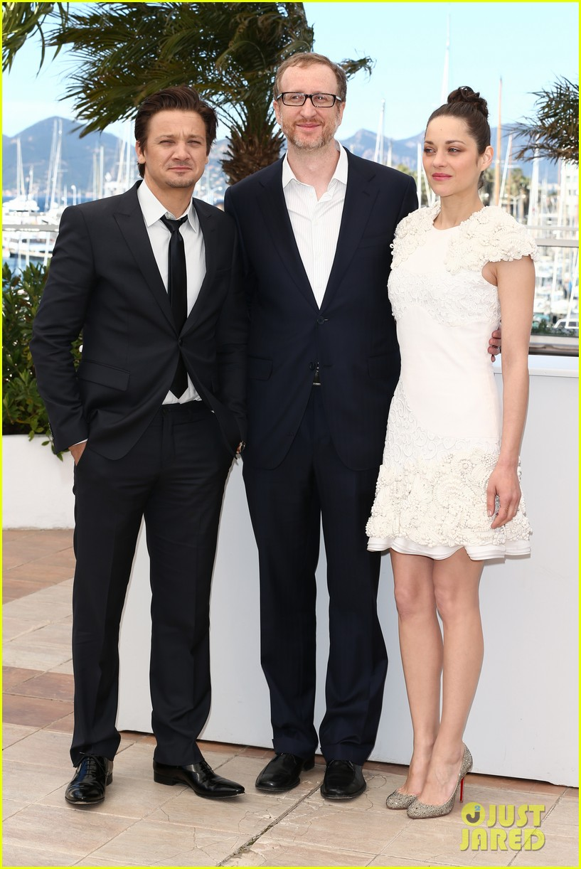 marion cotillard jeremy renner cannes the immigrant photo call 03