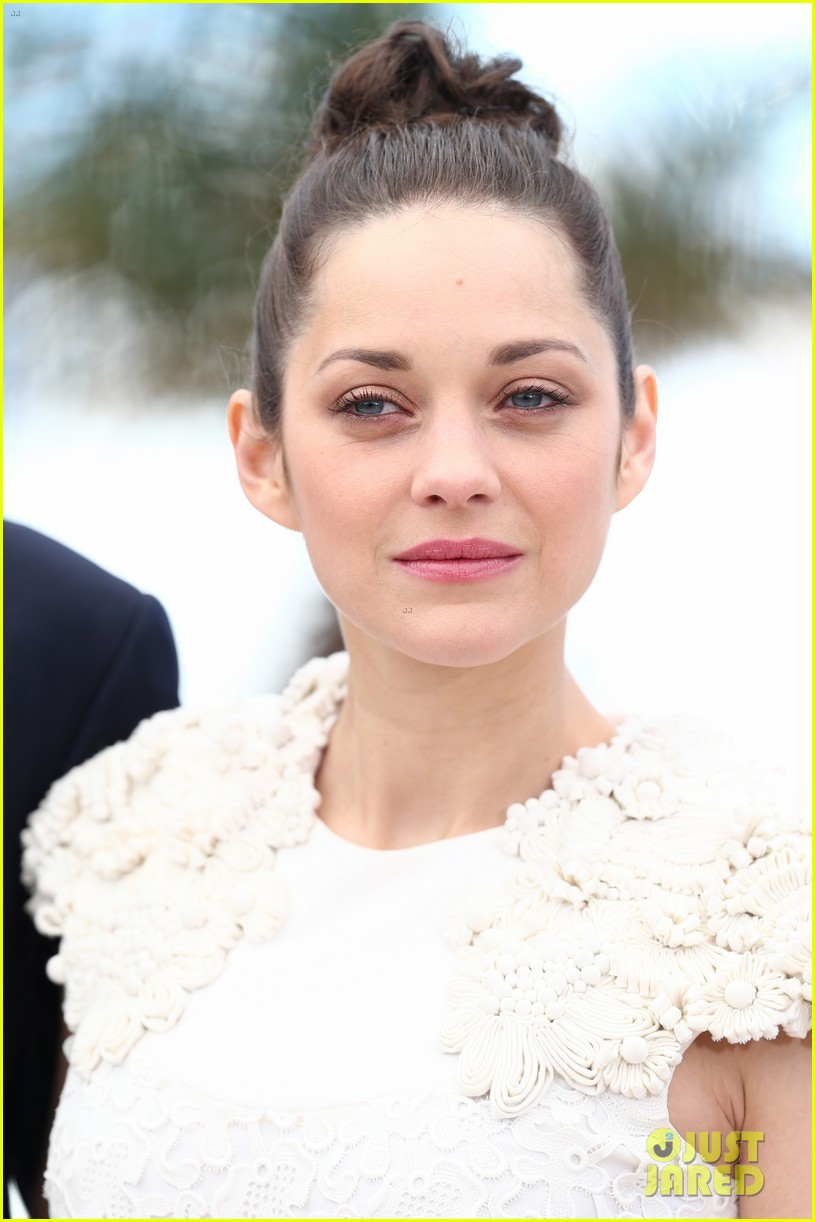 marion cotillard jeremy renner cannes the immigrant photo call 052877184
