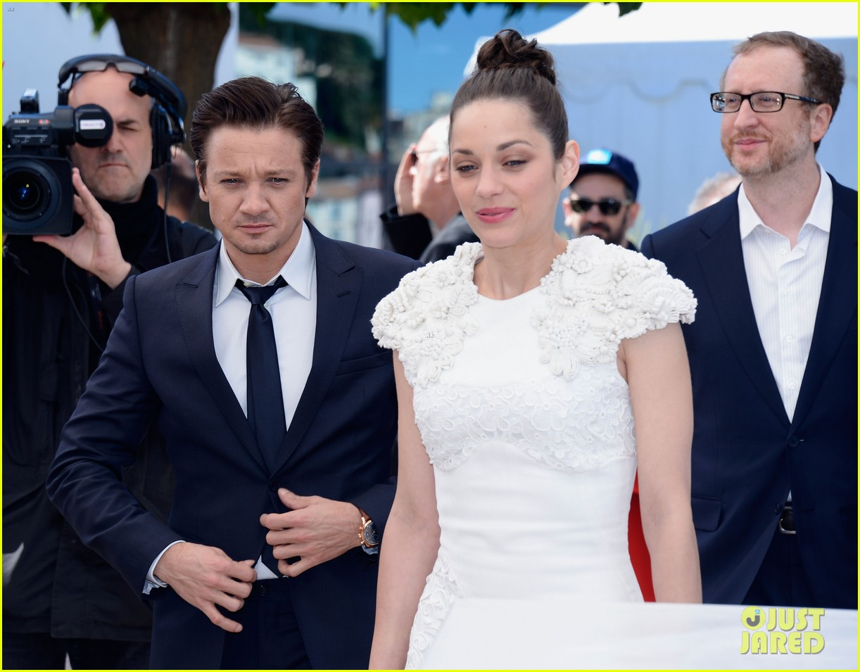 marion cotillard jeremy renner cannes the immigrant photo call 142877193