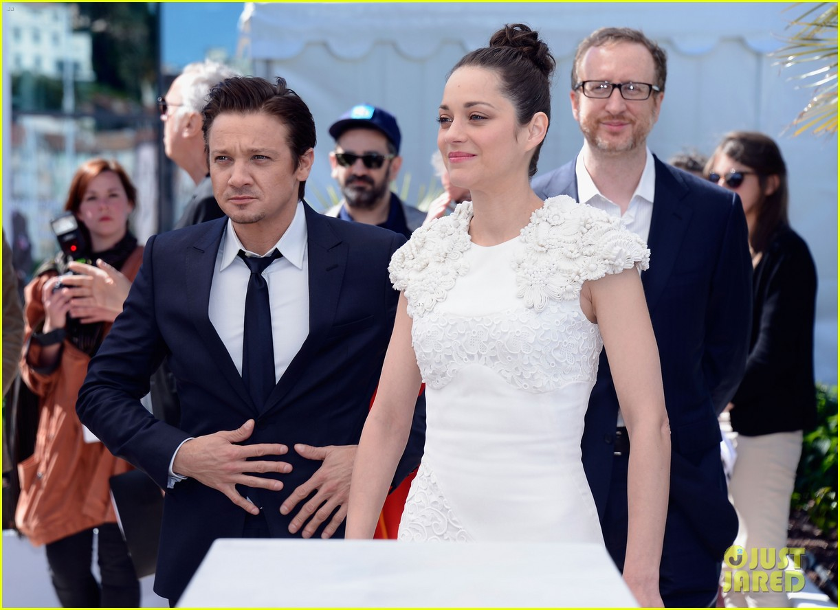 marion cotillard jeremy renner cannes the immigrant photo call 152877194