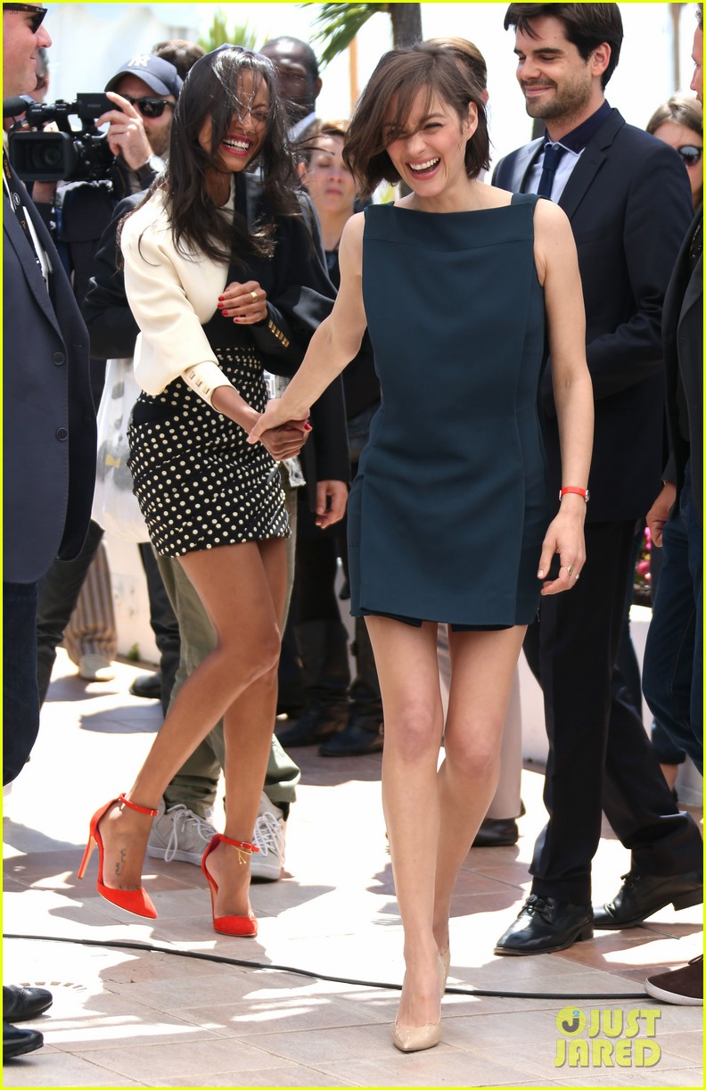 marion cotillard zoe saldana cannes blood ties photo call 18