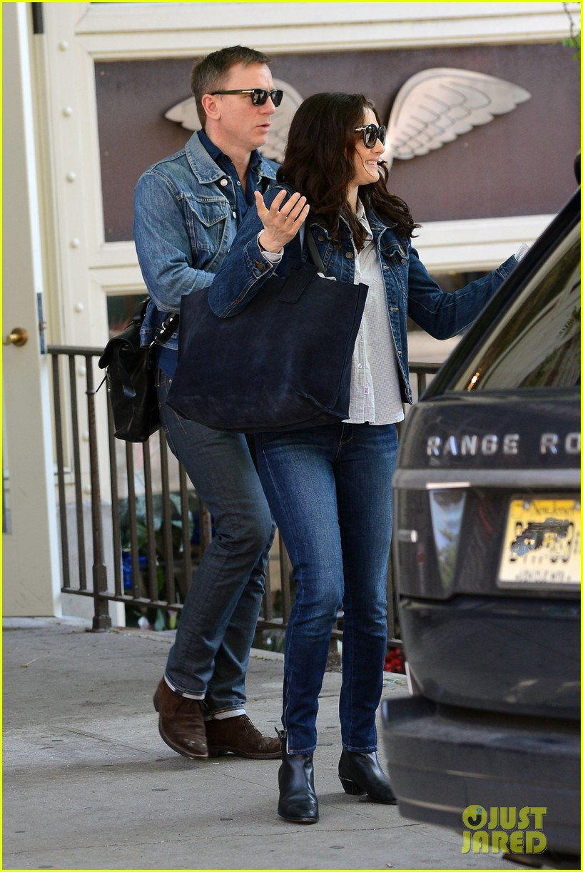 daniel craig rachel weisz denim jacket duo 082867878