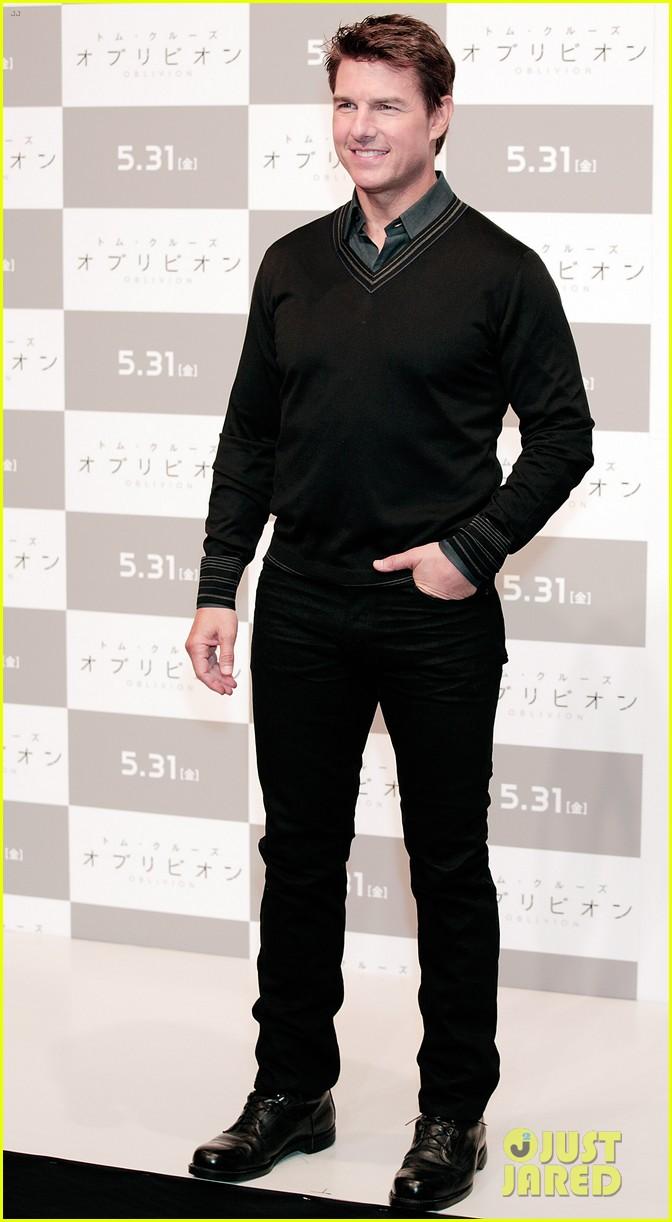 tom cruise olga kurylenko oblivion tokyo press conference 062865876
