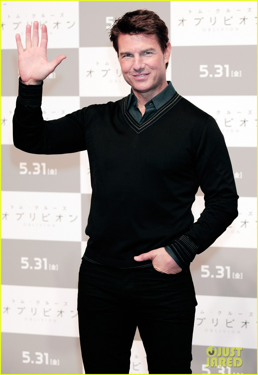 tom cruise olga kurylenko oblivion tokyo press conference 072865877